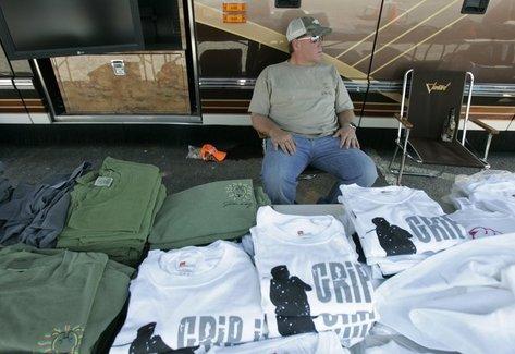 daly-selling-tshirts